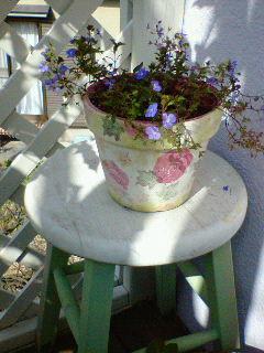 植木鉢にペイント