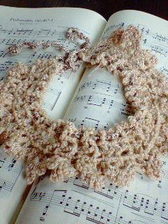 かぎばり編みのネックレス
