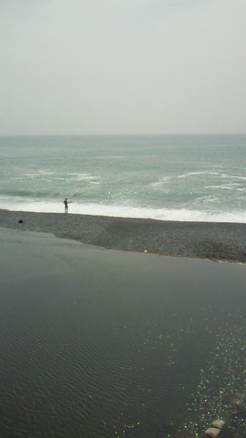 湘南の海、夏間近